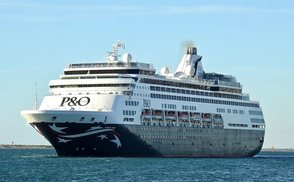 Pacific Adria ex Ryndam 20-3-2020 departed 16.00 hrs to sea from Adelaide Australia 03.jpg
