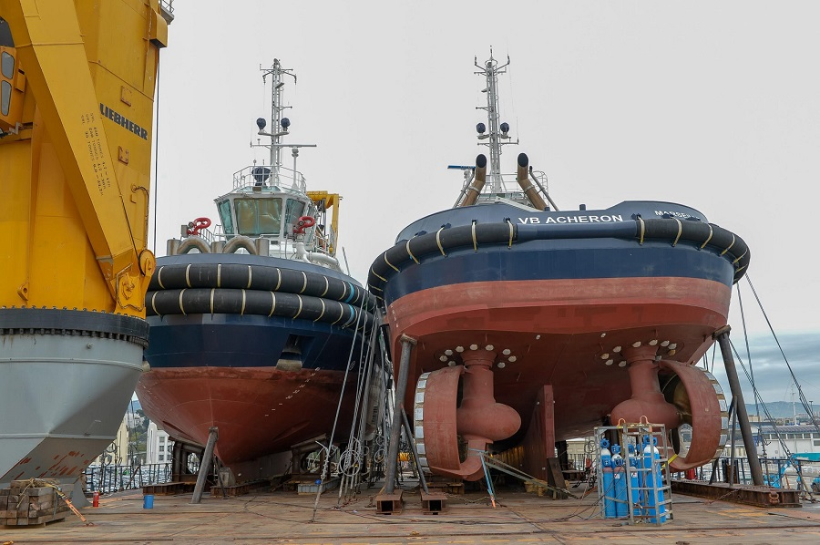 VB Acheron & VB Surprise loaded on deck S A L HVL vessel Marseille France 01.jpg